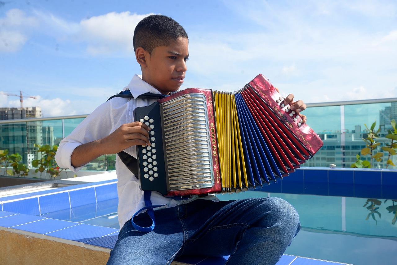 José david Caraballo el niño genio del acordeón. Miembro ilustre   del museo nacional de Miami Florida.