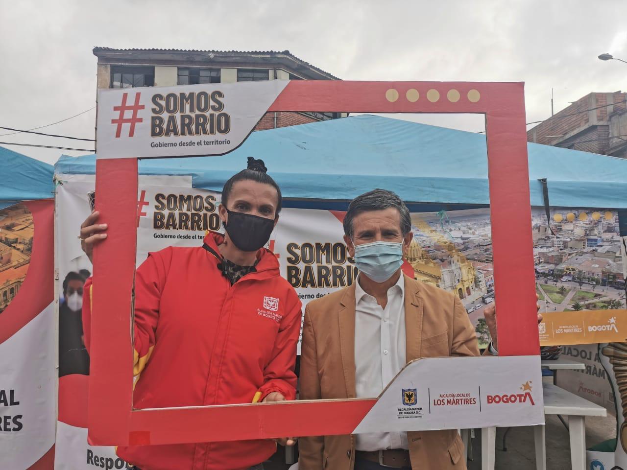Con show de fuegos artificiales y balance positivo se cerró jornada de #SomosBarrio en la localidad de Los Mártires.