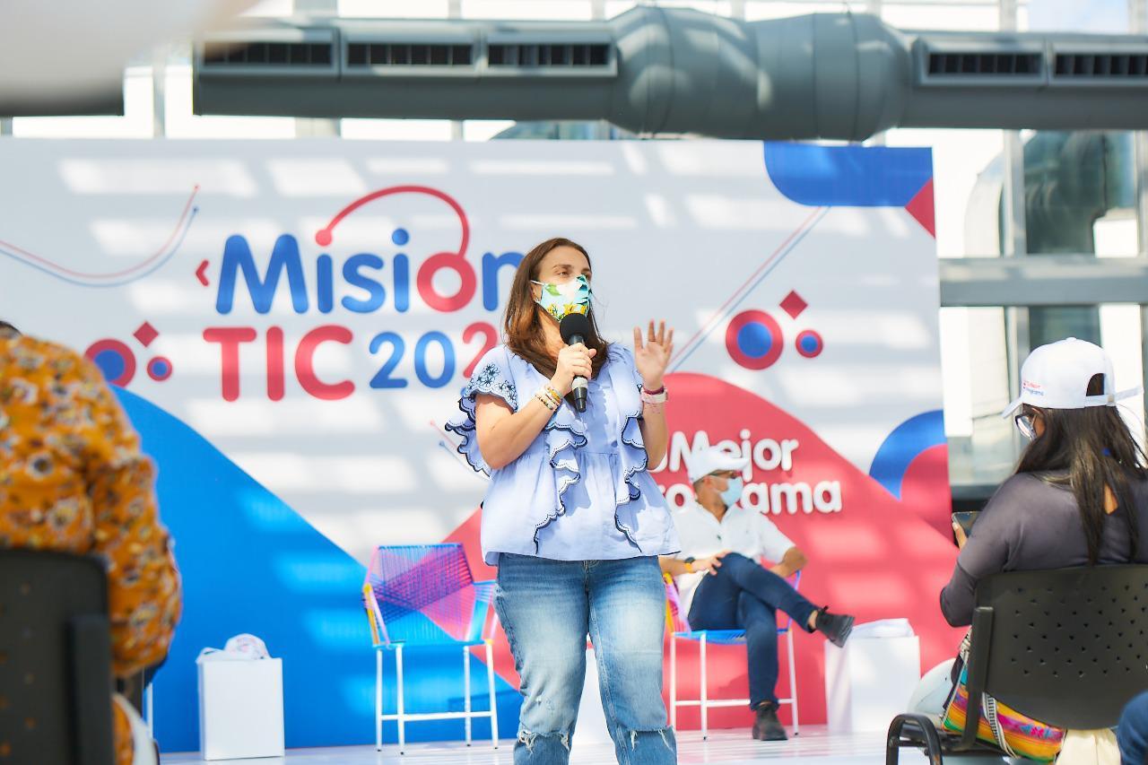 Ministra Karen Abudinen entrega primer balance de Misión TIC 2022, iniciativa que convertirá a Colombia en el Silicon Valley de América Latina
