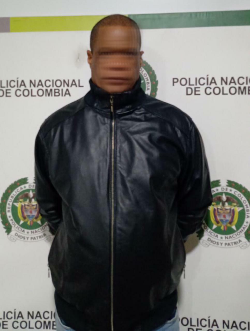 TRES PASANTES DE DROGA FUERON CAPTURADOS EN EL AEROPUERTO INTERNACIONAL EL DORADO