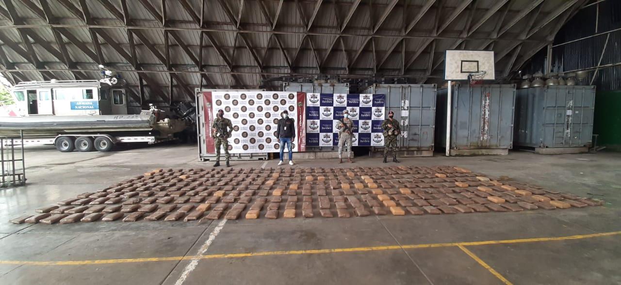 ARMADA DE COLOMBIA EVITÓ EL TRÁFICO DE MÁS DE 54 MIL DOSIS DE MARIHUANA HACIA EL EXTERIOR