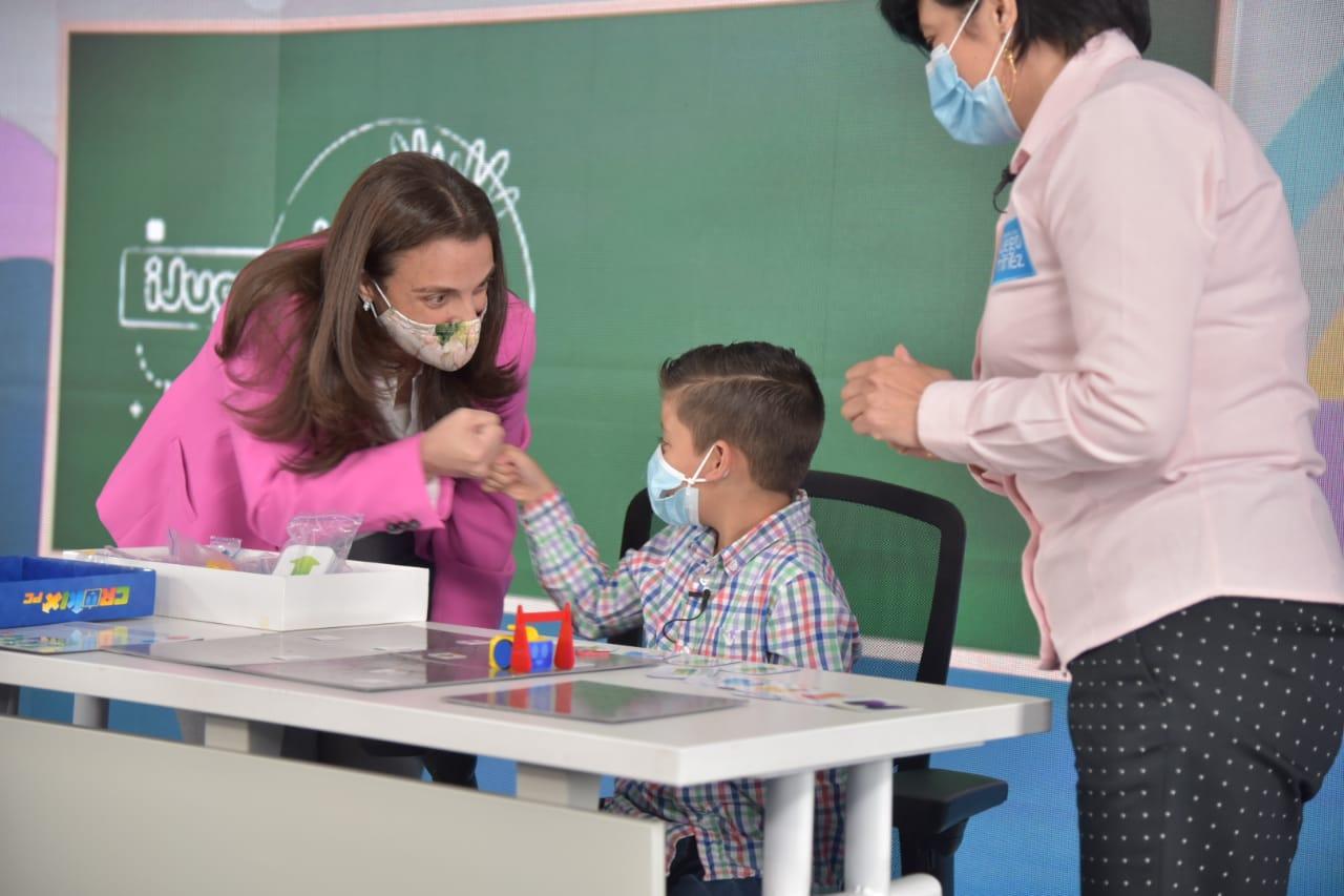Los niños, niñas y adolescentes de Colombia tienen 5 programas gratuitos para descubrir la magia de lo digital: Karen Abudinen