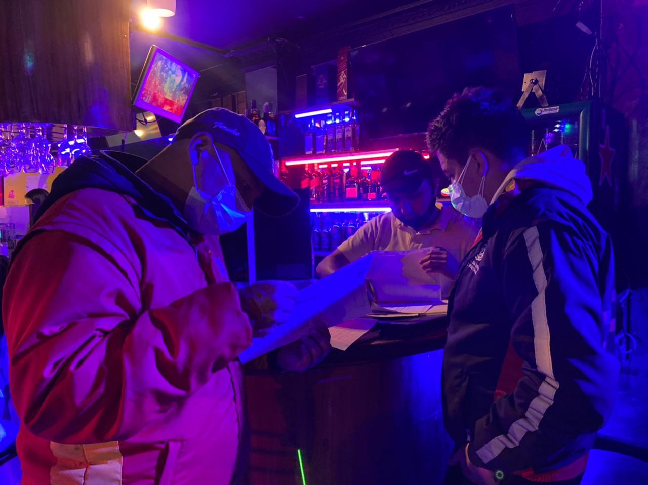 Cinco establecimientos sellados en inicio de fin de semana de reapertura de bares