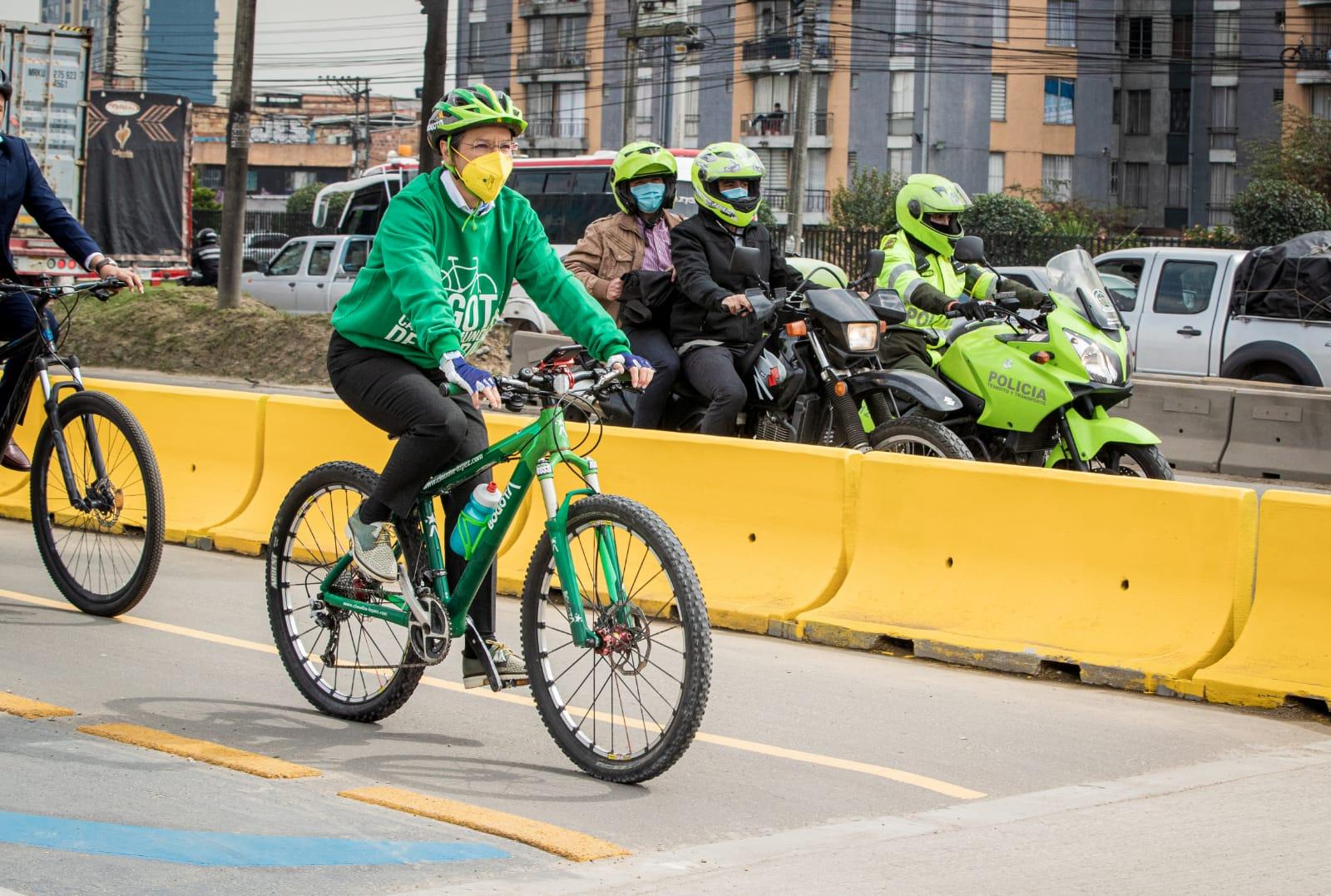 ¡Más de 7.400 ciclistas por día ya se benefician con la nueva franja ciclopeatonal de la calle 13!