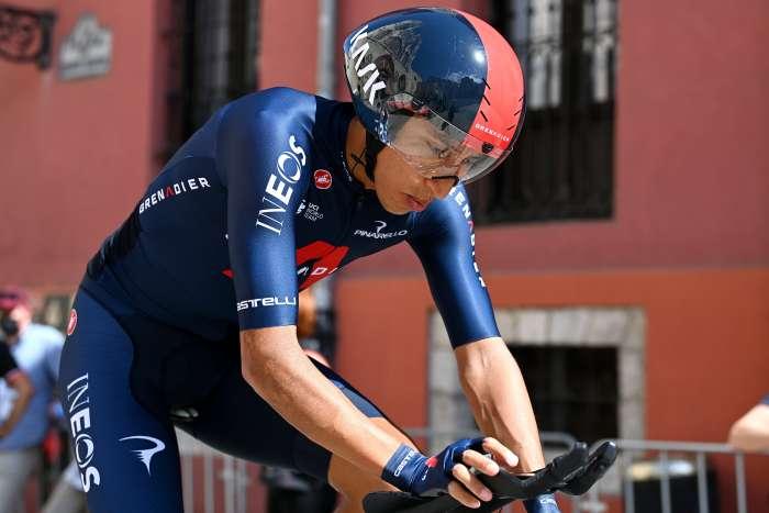 Con cinco colombianos comenzó la Vuelta a España 2021