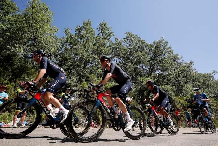Miguel Ángel López y Egan Bernal, en el top-10 de la clasificación general de La Vuelta