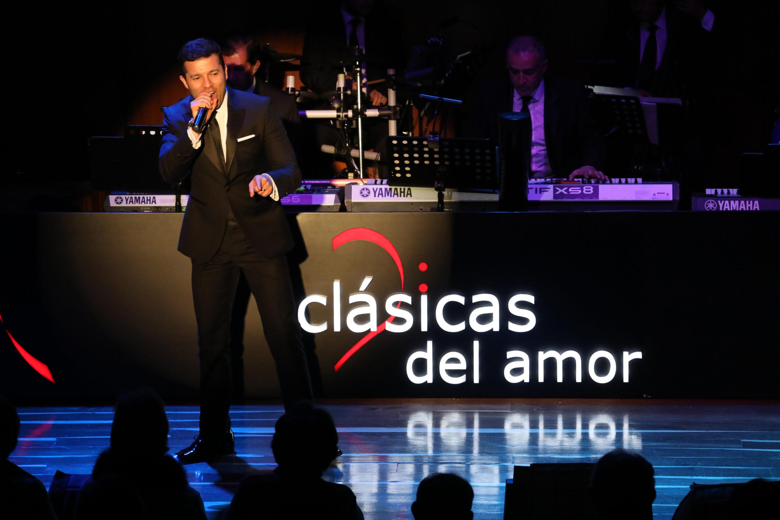 """""""Clásicas del Amor"""" presenta: """"Cantemos por la Vida, Homenaje al Adulto Mayor"""""""